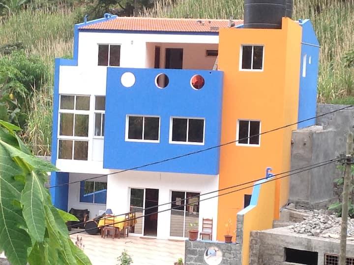CHEZ HUJO Maison d'Hôtes + chambres