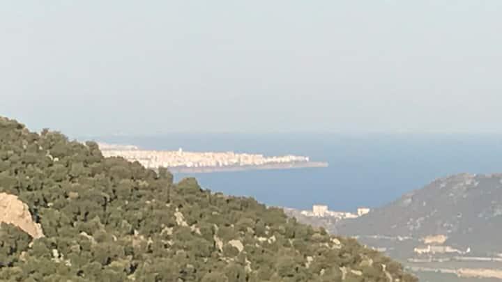 Dağ havası ve Akdeniz manzaralı huzur ortamı