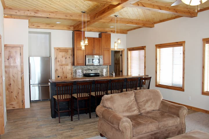 Birch Tree Inn, Ashton, Idaho-New! Opens Jan 2017. - Ashton