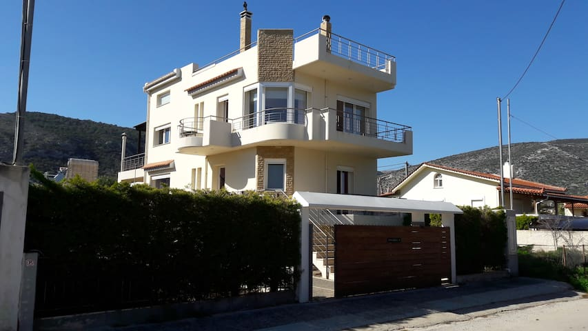 Ideal 3-Level Beach House,Close to the Airport - Porto Rafti - Casa