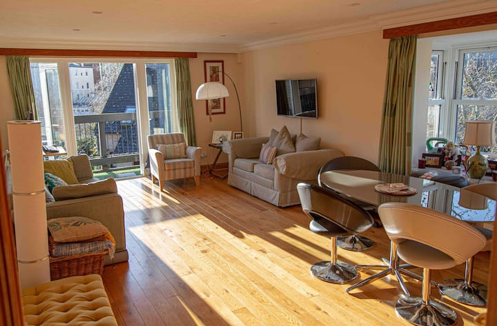 Central Oxford En-suite Double with River View