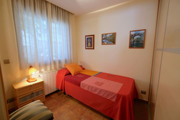 Dormitorio B, individual