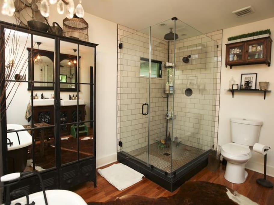 1st floor bathroom with rainshower