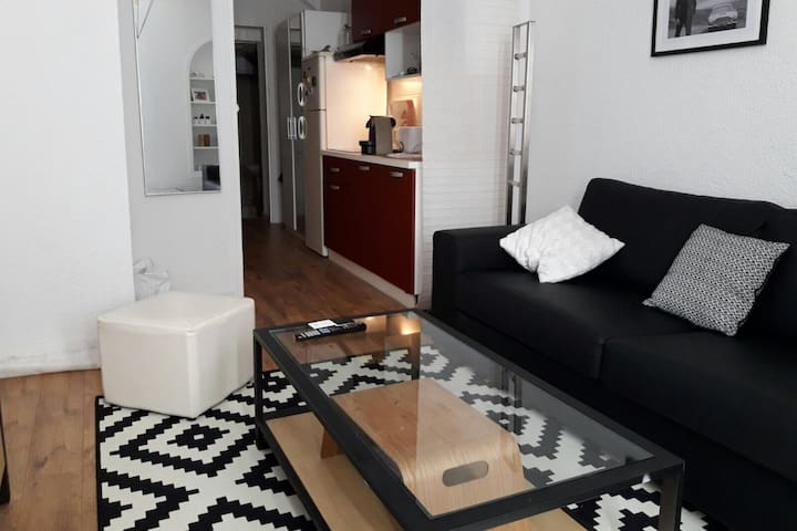 Flat in the city center - Ollioules - Daire
