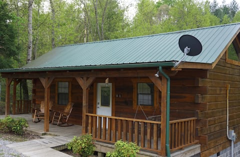 Tellico Cabins, Cowboy cabin with hot tub.