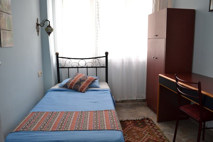 SINGLE Room in EPHESIAN Guesthouse