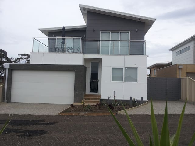 peters beach house portarlington