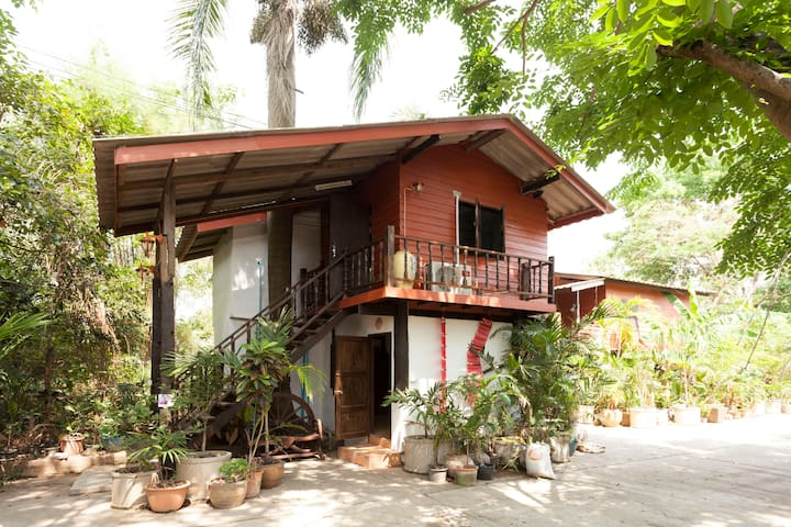 Wooden Guest House in the Bamboo - Chiang Mai - Chalet