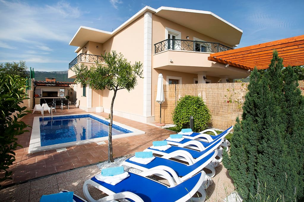 Couple of balconies, terrace & a pool. It makes us feel good, and you?
