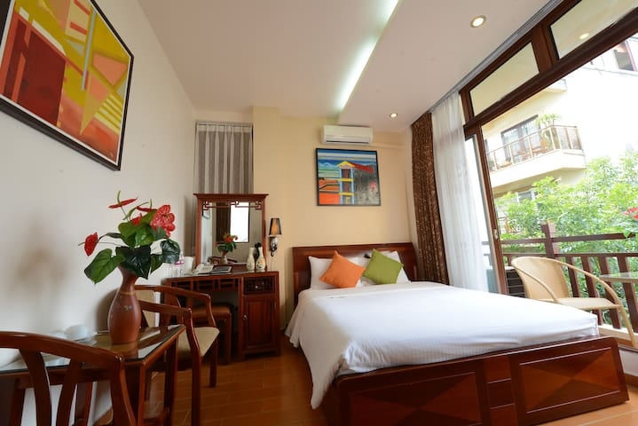 Small cozy hotel in Hanoi's centre - Hang Trong - Bed & Breakfast
