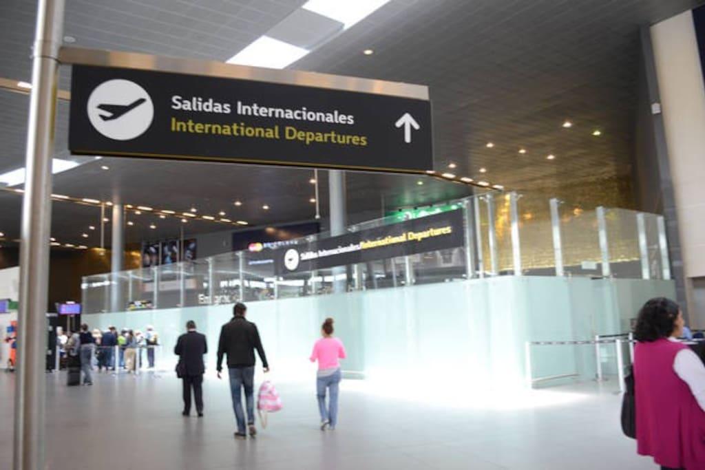 EL DORADO INTERNATIONAL ARIPORT, 20 MINUTES AWAY