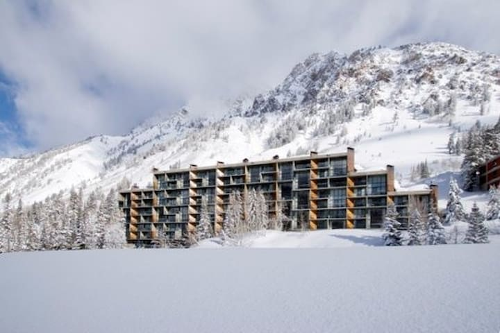 Studio at Iron Blosam Lodge in Snowbird Ski Resort - Sandy - Apartment