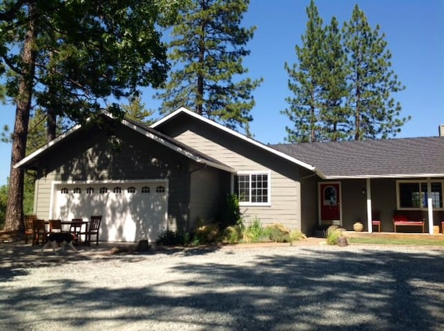 Yosemite 10 acres vacation property - Coulterville - บ้าน