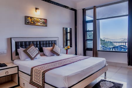Spacious Maharaja Room | Kitchen | Balcony