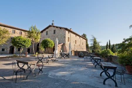 Medieval tower - Petroia Castle - Gubbio - 城堡