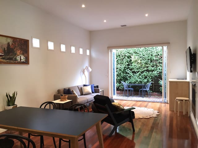 Recently refurbished 2 BD house - Healesville - Rumah