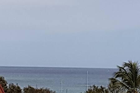Studio vue mer, plages,resto-piscine, voiture opt