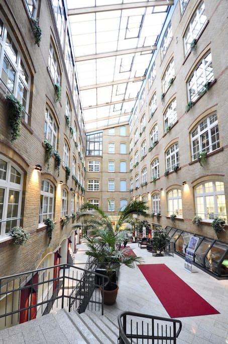 6 bedroom mixed ensuite tv no 3 hostels for rent in berlin berlin germany. Black Bedroom Furniture Sets. Home Design Ideas