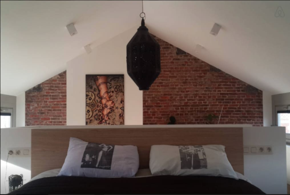 grande chambre priv e dans loft lofts louer anderlecht bruxelles belgique. Black Bedroom Furniture Sets. Home Design Ideas
