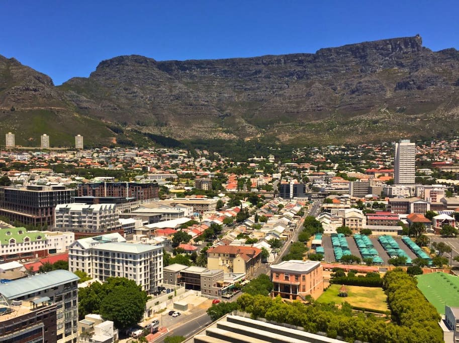 Unparalleled views of the Mother City below from the rooftop recreational area and imposing Table Mountain.