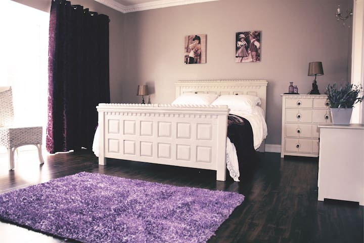 The lavender Room in New Ross - New Ross