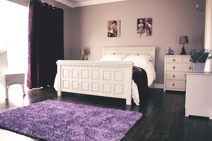 The lavender Room in New Ross