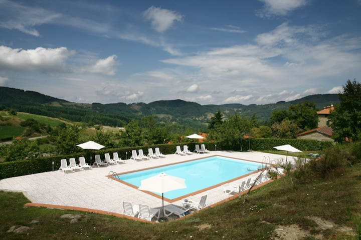 Farmvillage with pool near Florence - Consuma - Pis