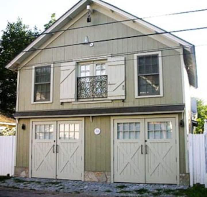 The Sirens' Song Carriage House