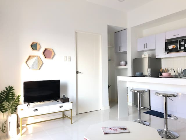 NEW 1 Bedroom Penthouse near Greenhills