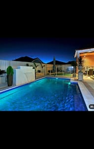Bed and Breakfast with pool - South Guildford - Bed & Breakfast