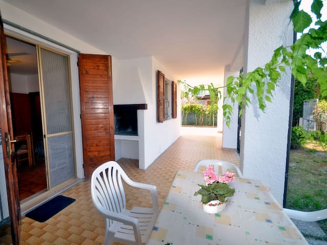Confortable villa near the sea