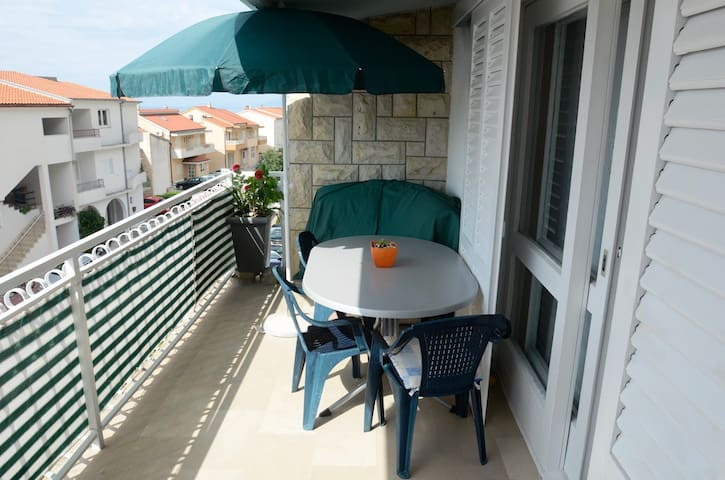 Vida 3 for 3-4 with AC  in Makarska - Makarska - Apartamento