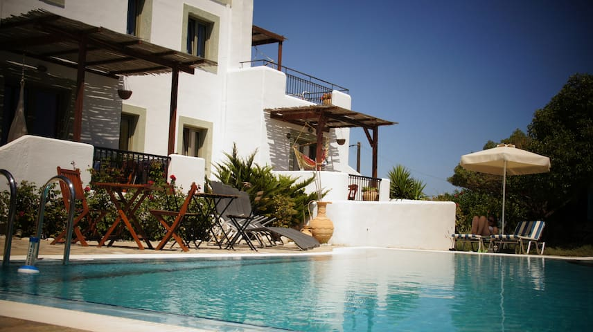 Sea view apts swimming pool IGNIS - Lachania - Aamiaismajoitus