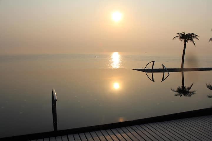 "Luxury Pool Villa at ""Boathouse"""