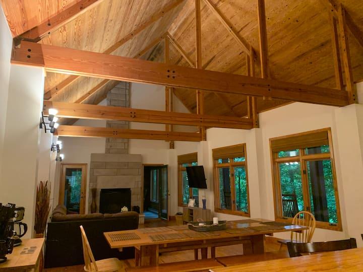 Amazing Lake House