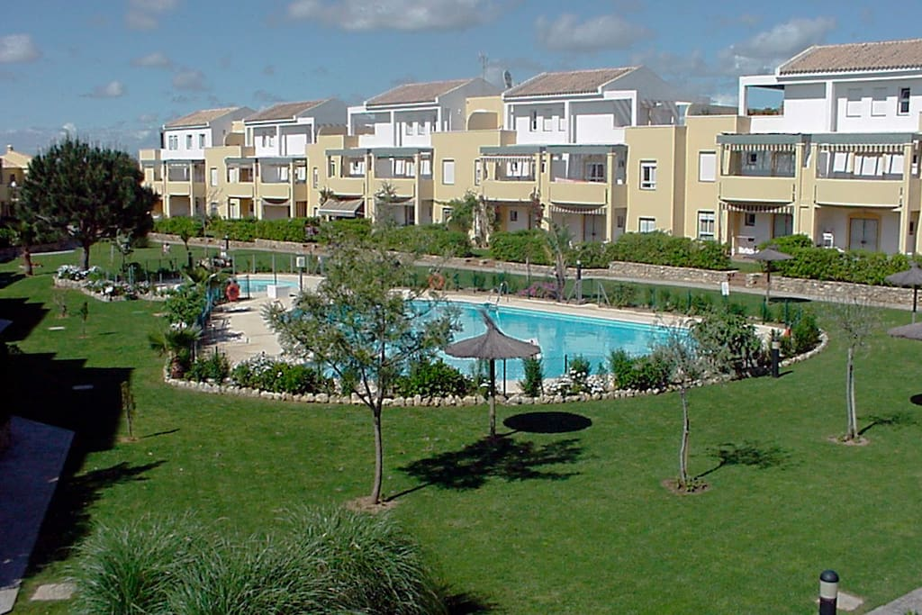 Apartamento jard n del golf jg1107 apartments for rent for Hostal el jardin chiclana
