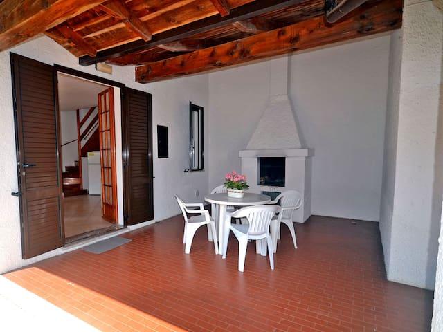Villetta trilocale con giardino e patio