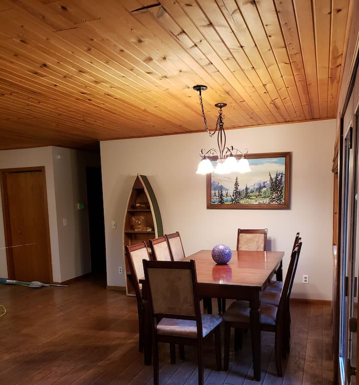 Private Home 5 miles to TC Lakes & trails