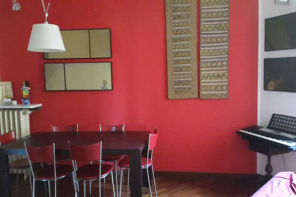 Tavolo da pranzo/Dining