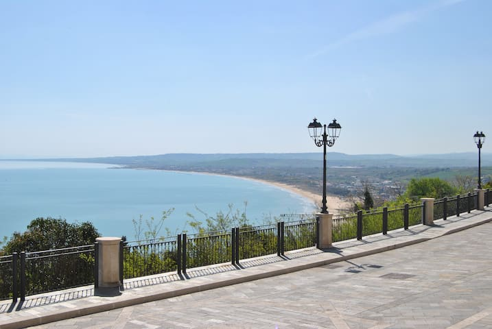 Charming apartment overlooking sea - Vasto - Apartemen