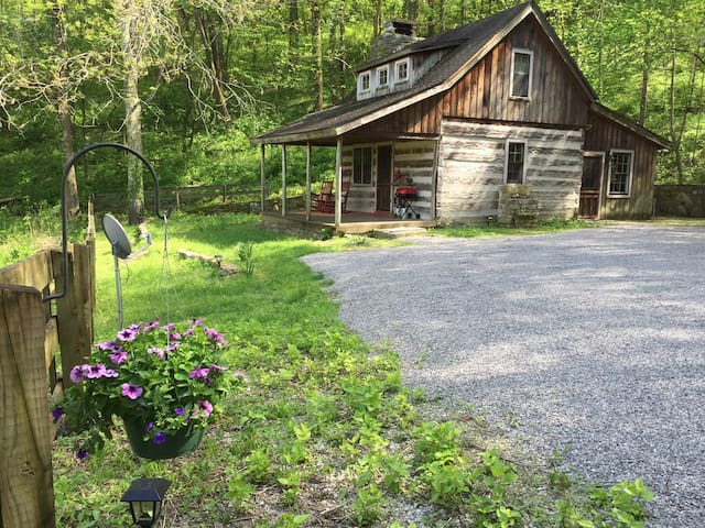 The Cabin at Battle Mountain - College Grove - Sommerhus/hytte