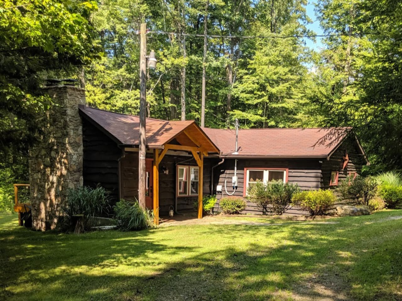 Front entry way to the cabin