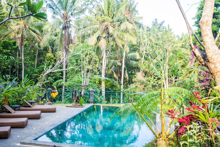 Amazing Loft in a Great Villa in Central Ubud!