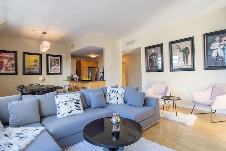 Lofty Downtown Apartment | 100 Walk Score