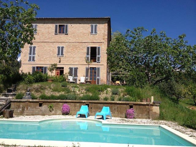 Villa Moltini - group accommodation - Carassai - Huis