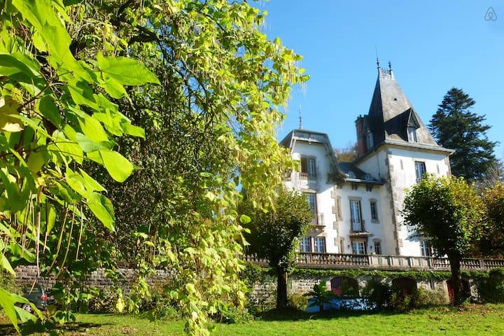 Nuit au chateau Saint Roch