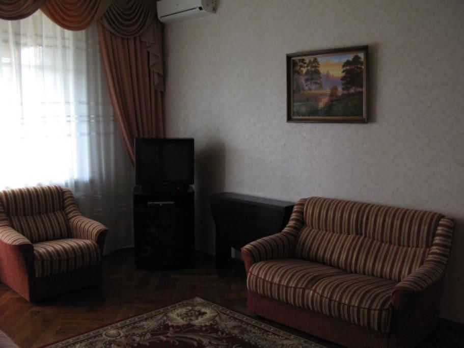 Это видна часть living room.