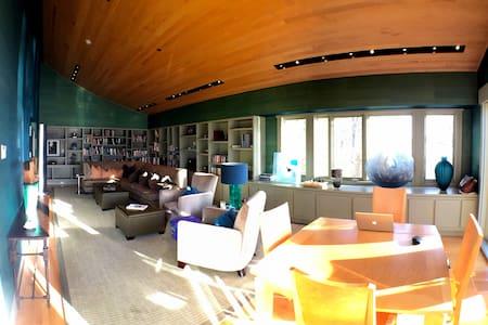 Bnb: Winnipesaukee Getaway, Room 3 - Wolfeboro