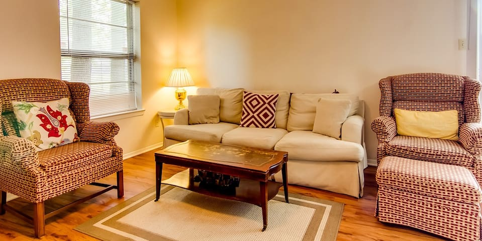 2 Bdrm Apt near A&M - Game Weekend or Long Stay