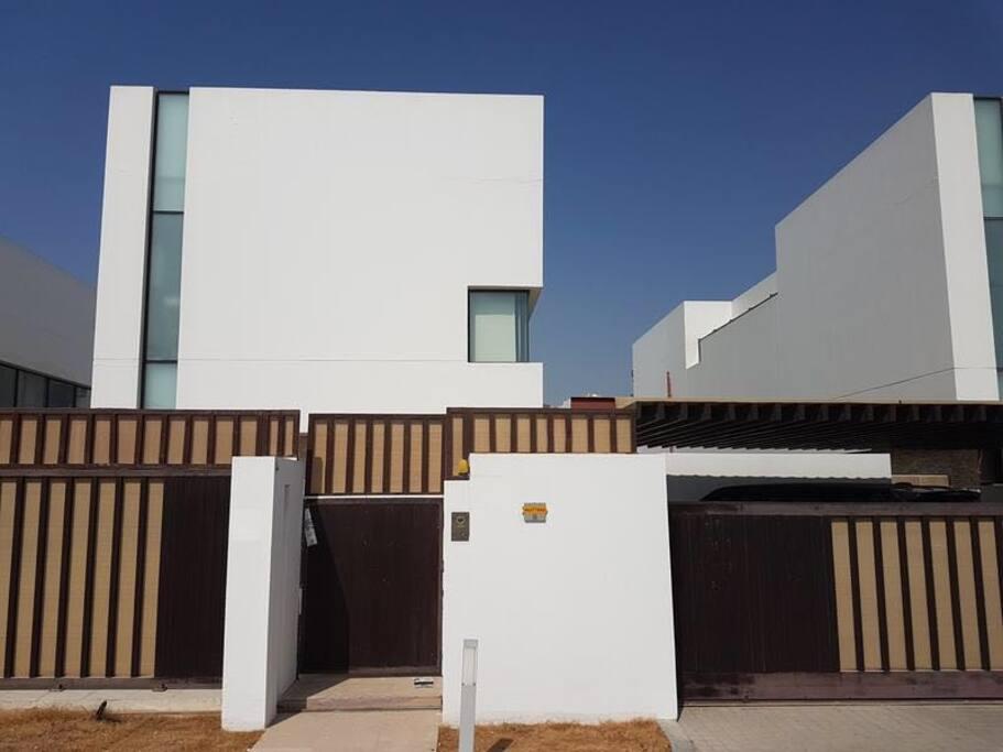 Private Rooms For Rent In Dubai